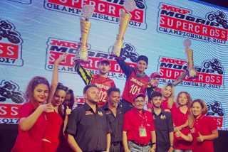 Александр Тонков вновь выигрывает суперкросс в Индии